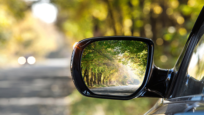 Marquee-VE-ReflectionOfAutumnRoad-800x450